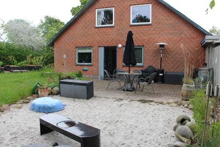 huset set fra havesiden